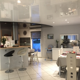 plafond cuisine laqué