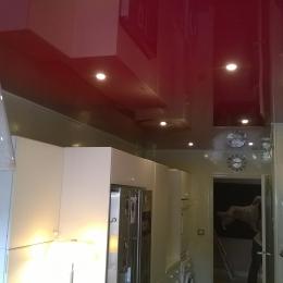 plafond-cuisine-rouge-laqué.jpg