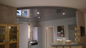 cuisine plafond laqué décaissé arrondi