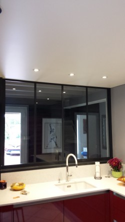 plafonds tendus meunier plafond tendu dans une cuisine plafonds tendus meunier. Black Bedroom Furniture Sets. Home Design Ideas