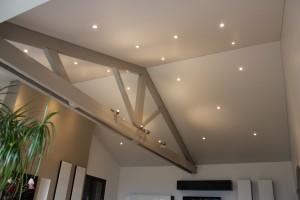 plafond rampant avec spots